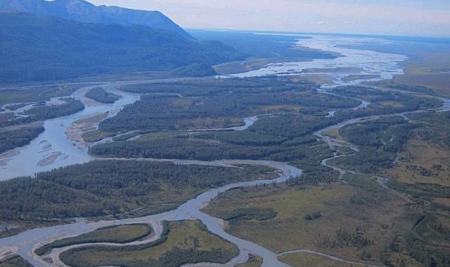 Alaska Sues Federal Govt for Control of Land