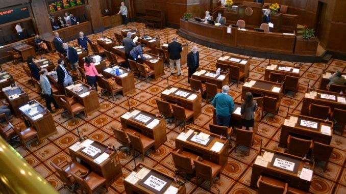 Oregon Republicans Deny Democrats a Quorum